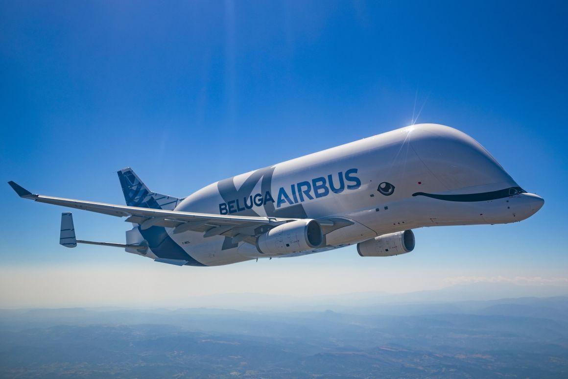 Гигантский грузовой самолет Airbus Beluga XL введен в эксплуатацию