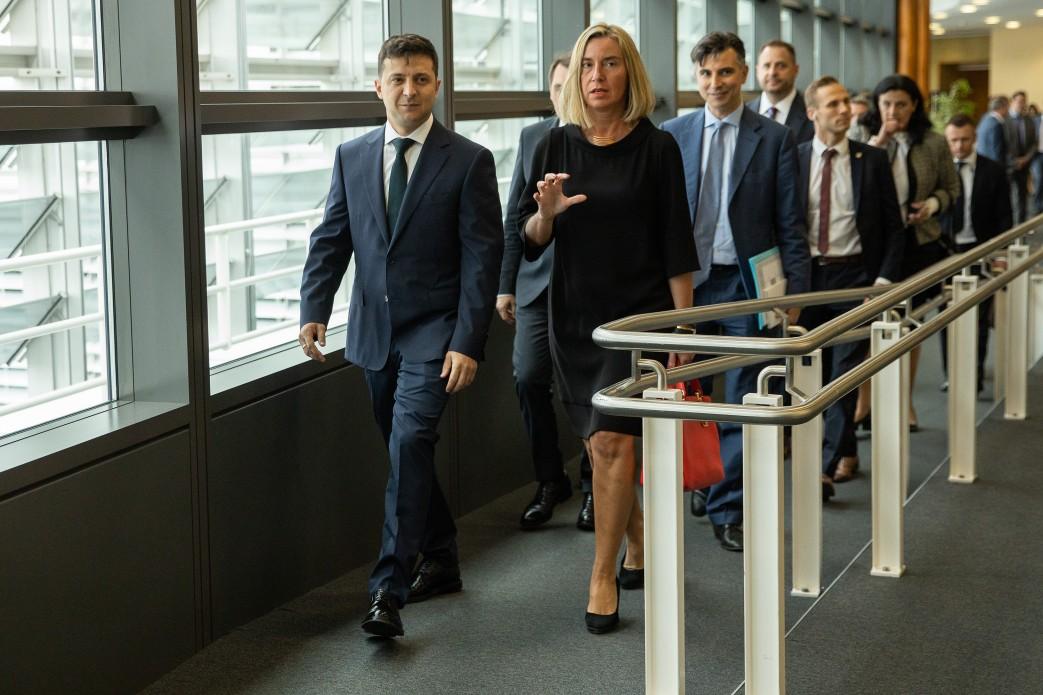 Зеленский поделился планами реформ в Украине с Могерини
