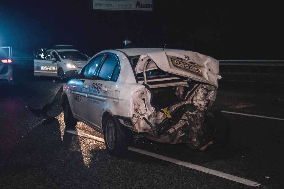 Гололед стал причиной столкновения 20 автомобилей на Бориспольской трасс...