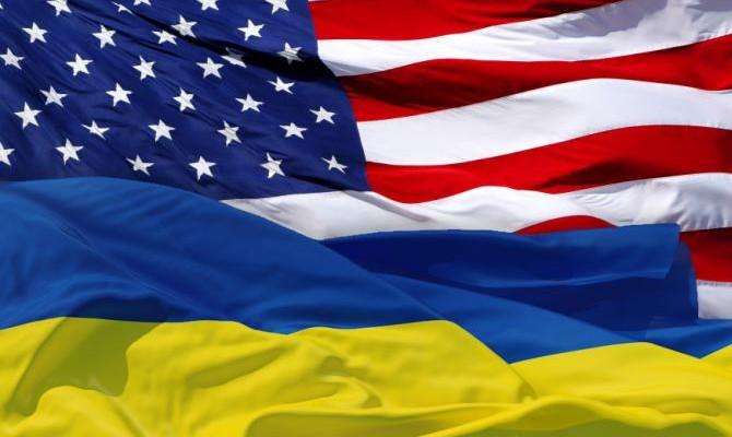 Четыре сенатора и два конгрессмена США прилетели в Киев