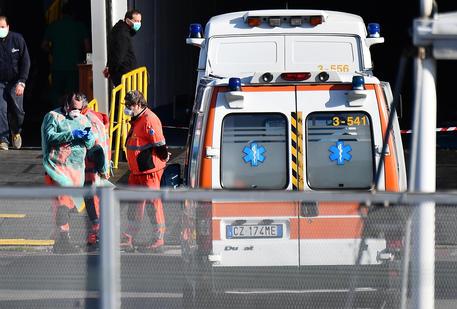 Пандемия коронавируса: число зараженных в Италии превысило отметку в 100...
