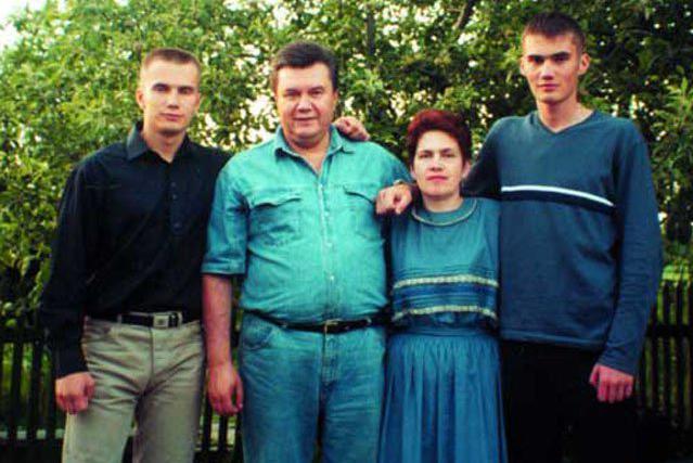 Януковичи до сих пор числятся в списке избирателей Украины