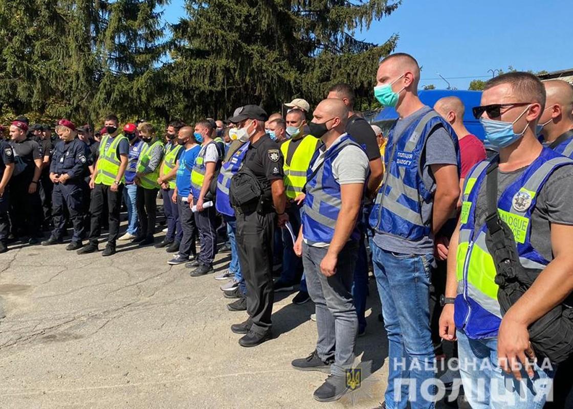 В Умань прибыли 6 израильских полицейских - помогать украинским коллегам...