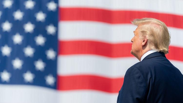 Трамп называл Терезу Мэй слабой и трусливой, а Ангелу Меркель глупой,  –...