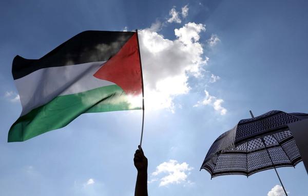 Среди чиновников ООН в Палестине процветают кумовство и взяточничество,...