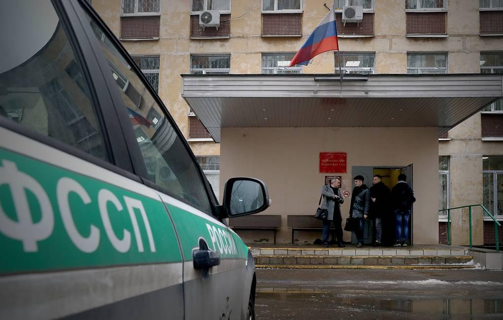 Бывший российский чиновник застрелился в зале суда после оглашения приго...