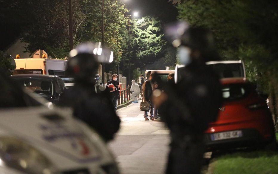 Учителя под Парижем убил 18-летний чеченец из Москвы, – СМИ