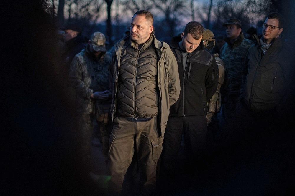 Давние связи. Есть ли у Ермака и Козака общий план  по Донбассу