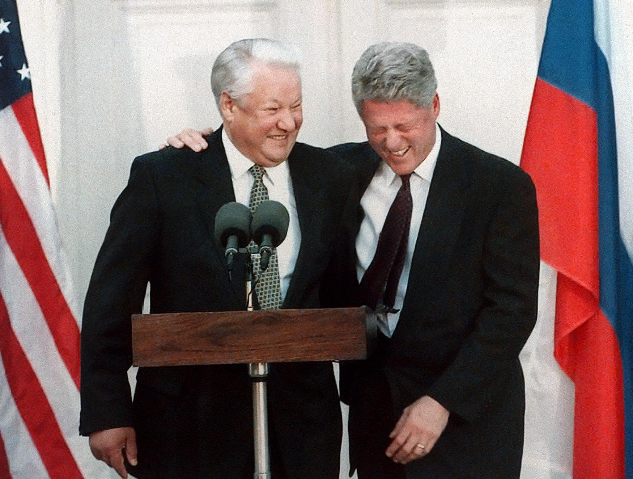 Ельцин предлагал Клинтону провести тайный саммит на  подводной лодке