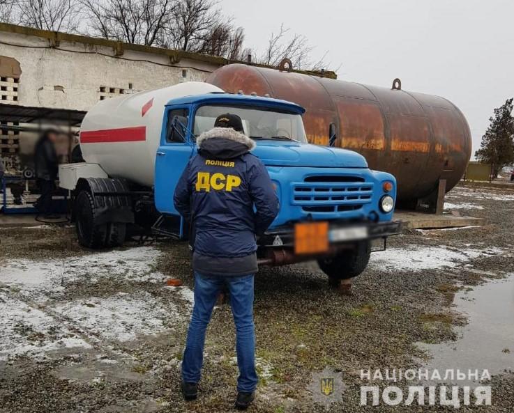 Полиция рассказала о схеме продажи на АЗС бытового газа. Оборот – десятк...
