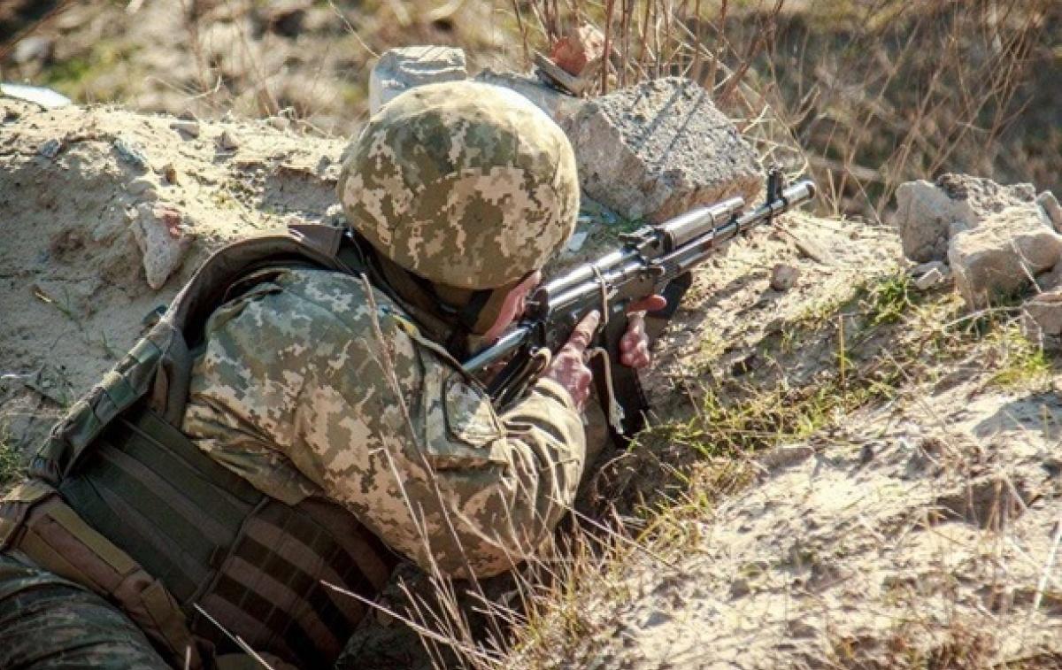 Сутки на Донбассе: один боец ВСУ погиб, еще двое ранены