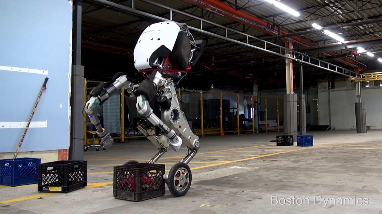 Роботы от Boston Dynamics уже грузят паллеты