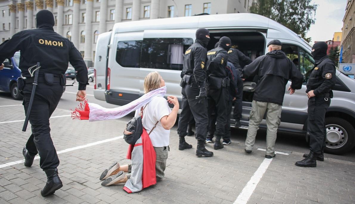Рокировка по-кремлевски. Кому выгодно затягивание протестов в Беларуси и...