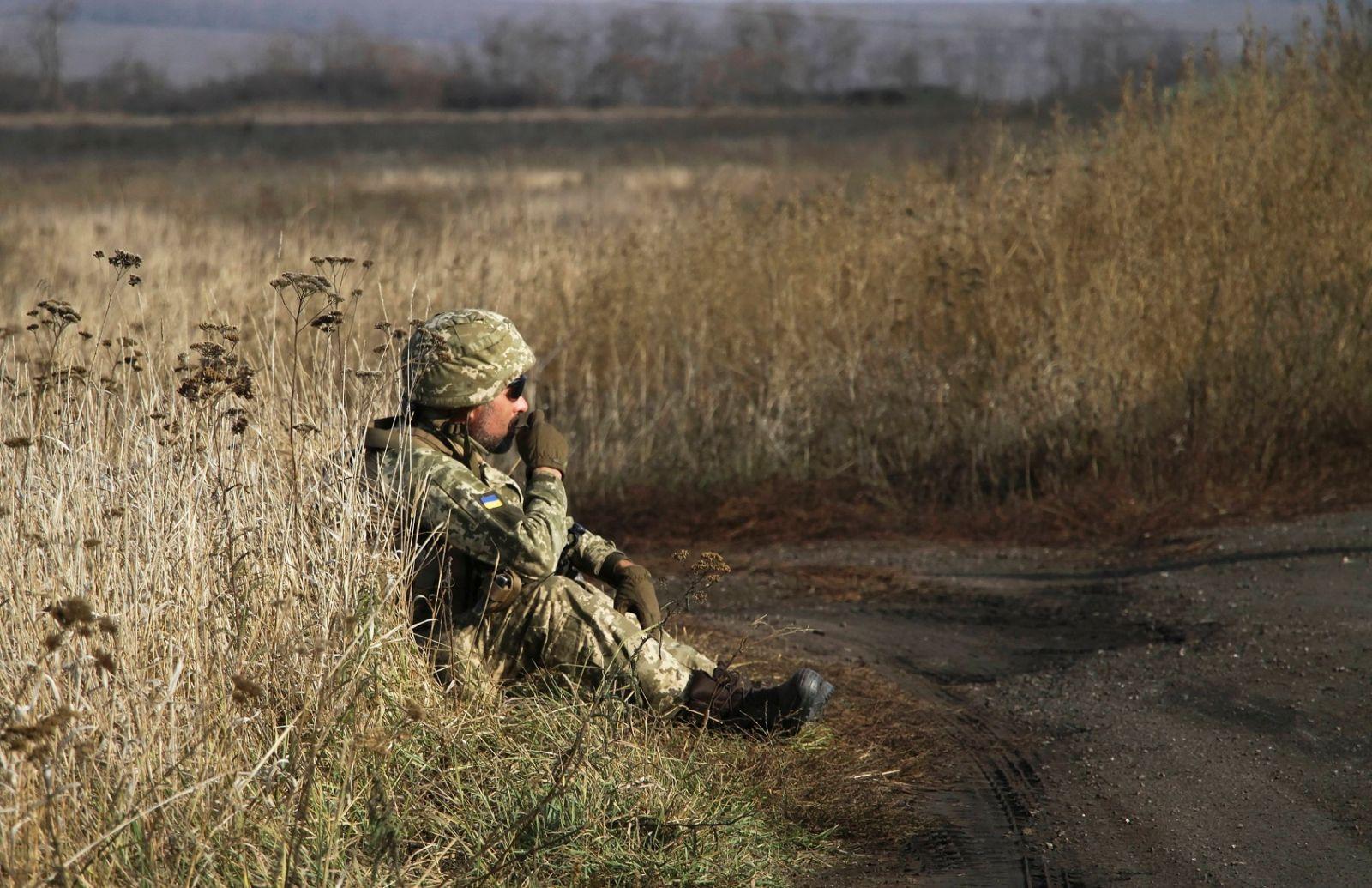 Боевики нарушили режим тишины на Донбассе: ранен военный
