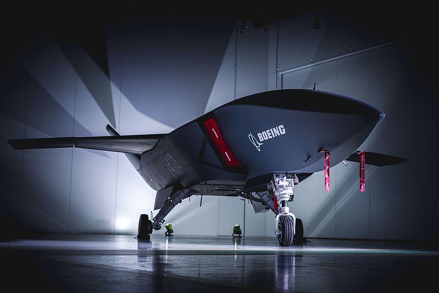 Boeing представила первый беспилотник с искусственным интеллектом для ВВ...