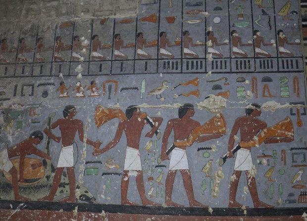 """В Египте нашли 4400-летнюю мумию """"единственного друга"""" фараона Джедкара..."""