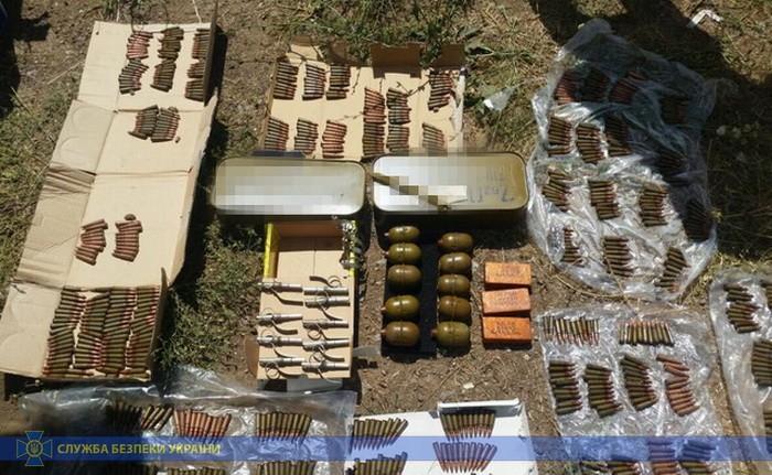 В Луганской области СБУ поймала военнослужащих на продаже оружия
