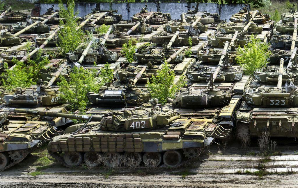 За 6 лет Украина потеряла одну пятую своих танков и почти половину самол...