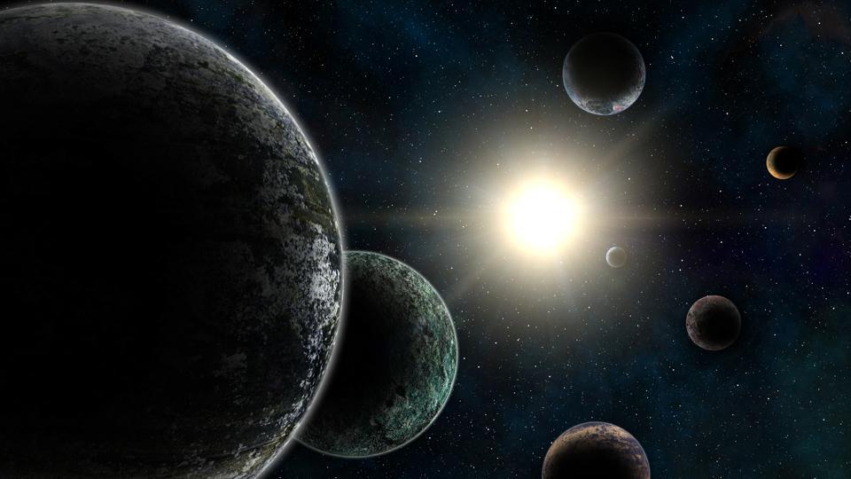"""Астрономы нашли """"запретную планету"""" в Нептунианской пустыне"""