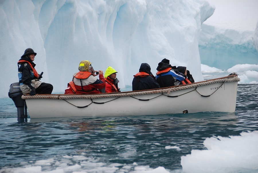 Приключение на диване: National Geographic отправит ВР-путешественников...