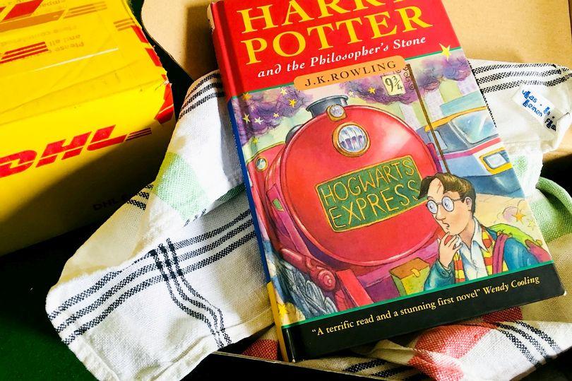 Первое издание книги о Гарри Поттере продано на аукционе за 60 000 фунто...