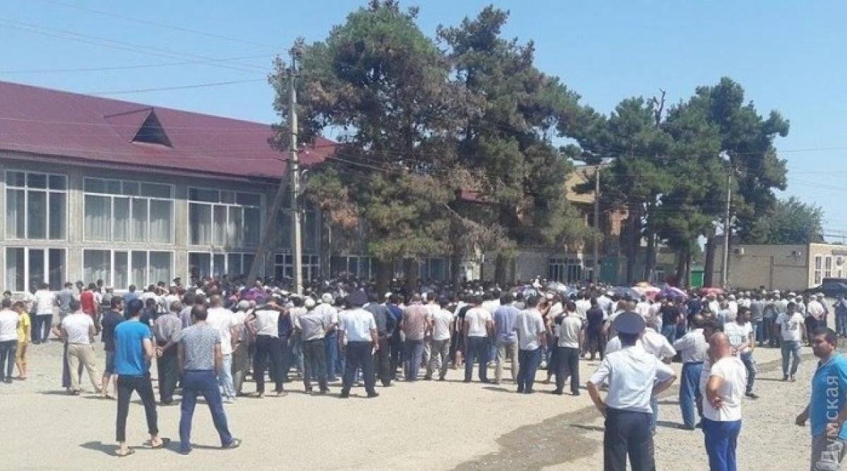Ромская община после убийства ребёнка согласилась покинуть Лощиновку