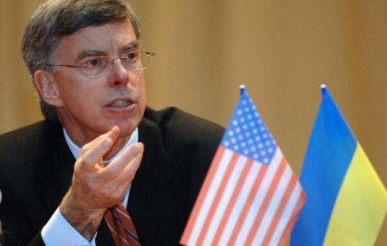 США не принимали никакого решения по сокращению военной помощи Украине, – Тейлор