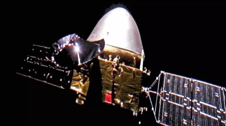Китайский зонд Tianwen-1 сделал селфи на пути к Марсу