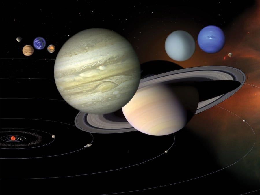 Солнечная система вращается вокруг невидимого центра, и это не Солнце, –...