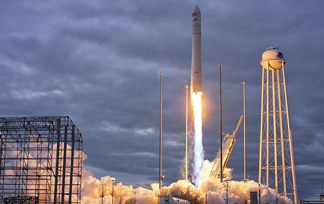В США запустили ракету с грузом для МКС, частично созданную в Украине