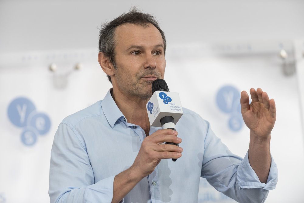 Вакарчук объяснил цель Минского формата и призвал урегулировать отношени...