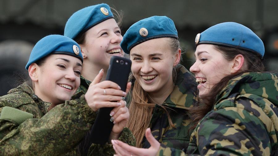 Путин официально запретил гаджеты российским военным