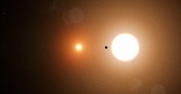 Телескоп TESS впервые обнаружил планету, которая вращается вокруг двух з...
