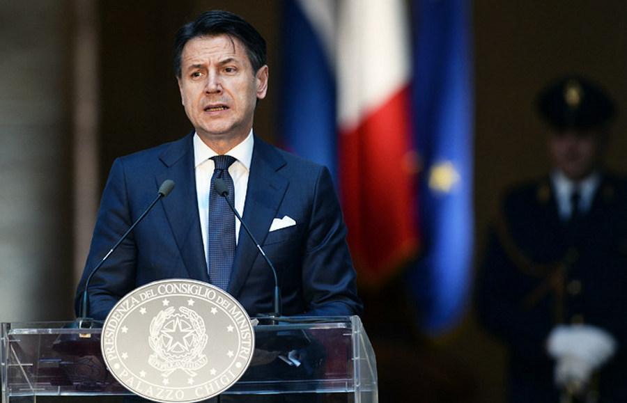 Президент Италии принял отставку премьера Конте