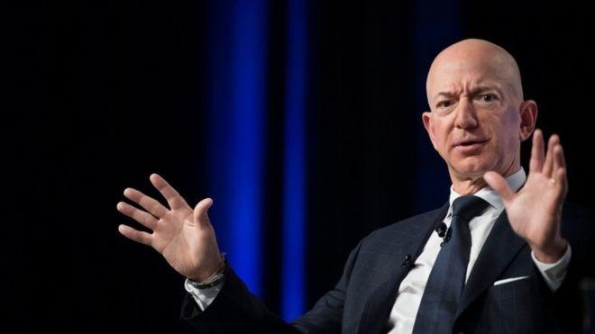 Богатейший человек в мире Безос выделит 10 миллиардов на борьбу с измене...