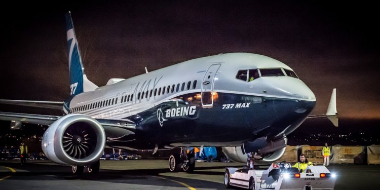 Boeing приостановит выпуск самолетов модели 737 MAX
