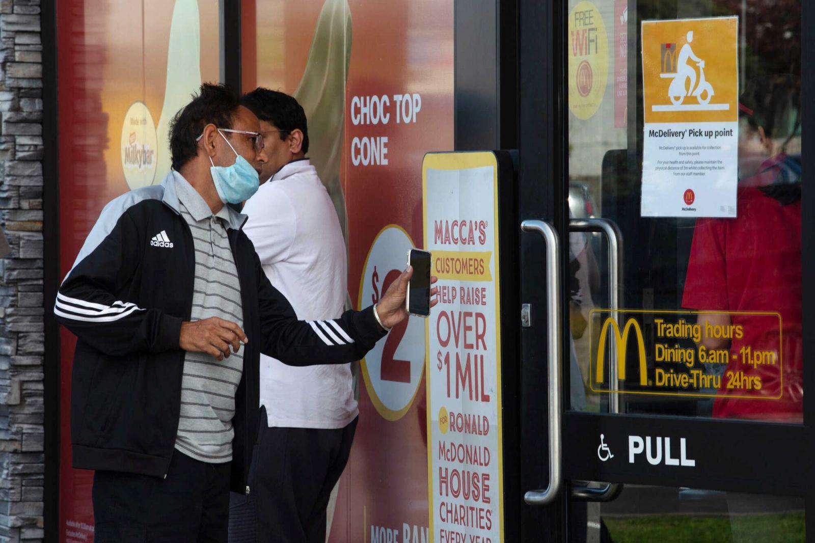 Эпидемиолог, победивший коронавирус в Новой Зеландии, рассказал, как спа...
