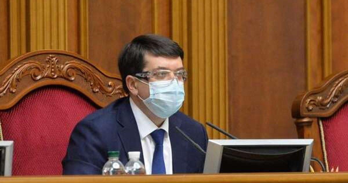 Депутаты проголосуют шесть законопроектов на внеочередном заседании 14 и...