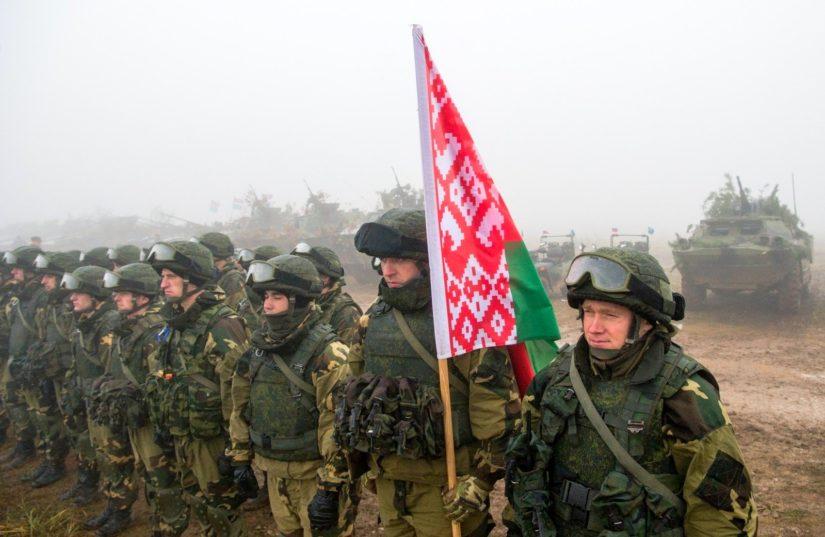 Беларусь объявила о военных сборах возле границы РФ на второй день после...