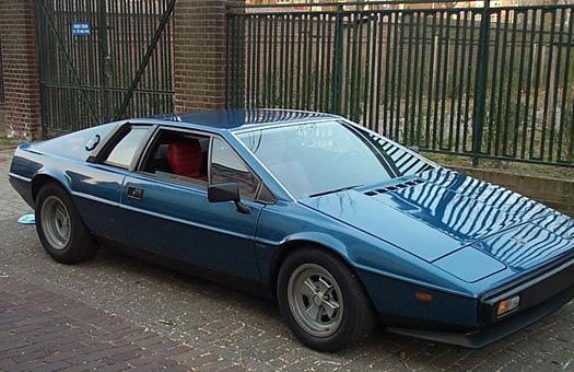 Компания Lotus одобрила разработку нового Esprit