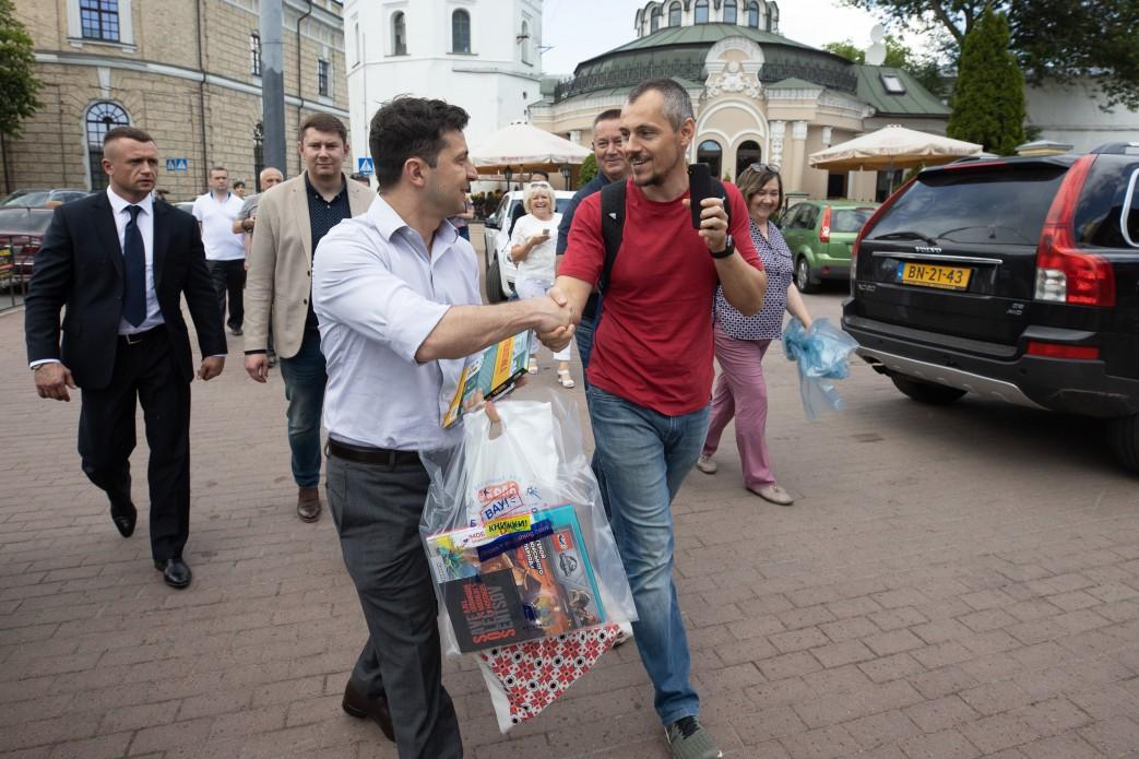 Президент больше не будет тормозить  с предоставлением украинского гражд...