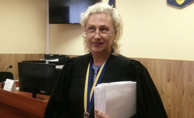 Уволенная ВСП почти полгода назад судья Барышевского суда до сих пор чис...