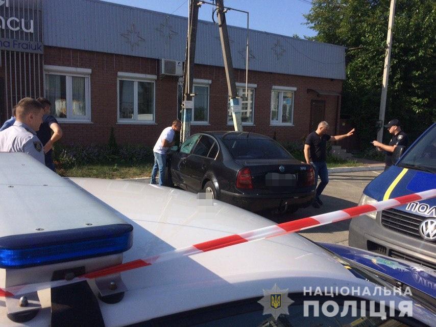 Под Киевом нашли машину с водителем-самоубийцей