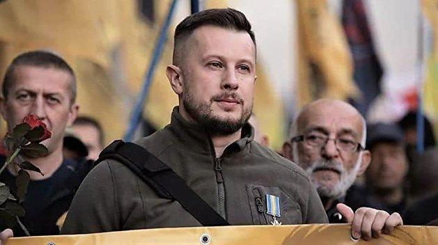 Лидер Нацкорпуса пообещал защищать Золотое после отвода армии