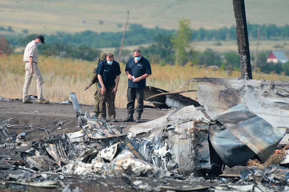 Украина передала Нидерландам материалы дела по сбитому самолету MH17