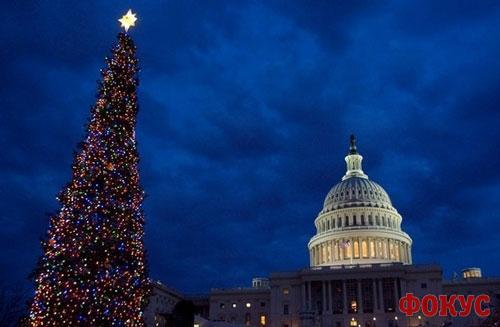 Кабмин рекомендует отрабатывать новогодние праздники до 13 марта