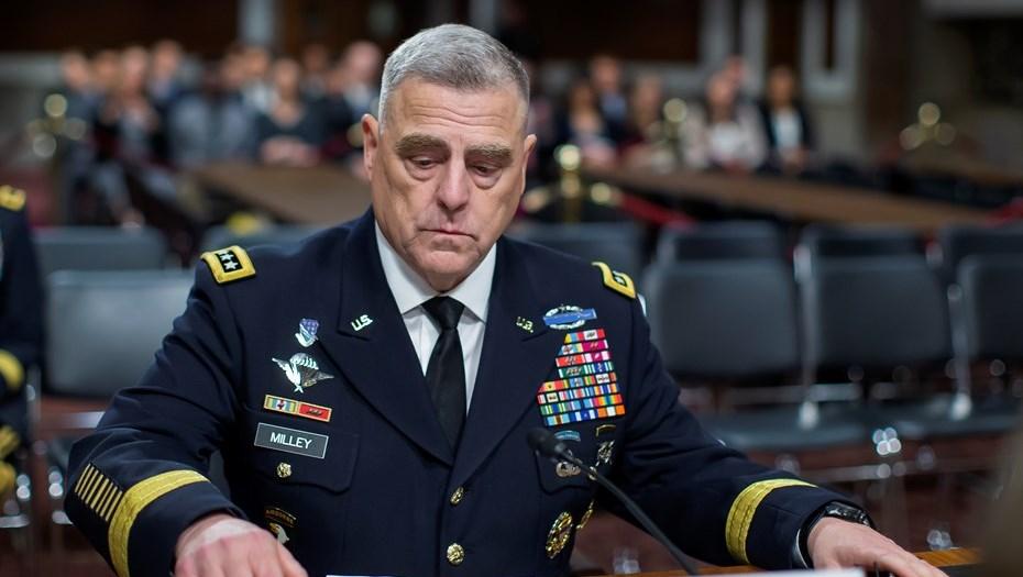 Американский генерал извинился за фото с Трампом и поддержал протесты