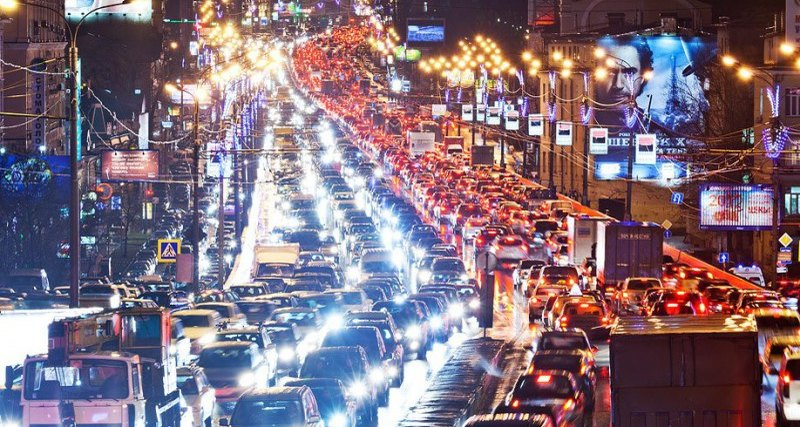 В преддверии 8 марта Киев остановился в пробках