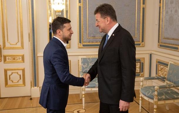 Зеленский обсудил ситуацию на Донбассе с главой ОБСЕ