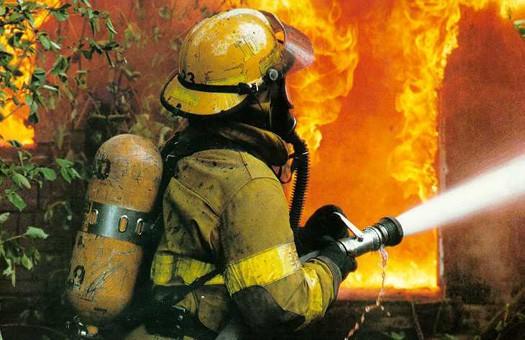 Продолжается пожар на складе боеприпасов в России: один человек погиб